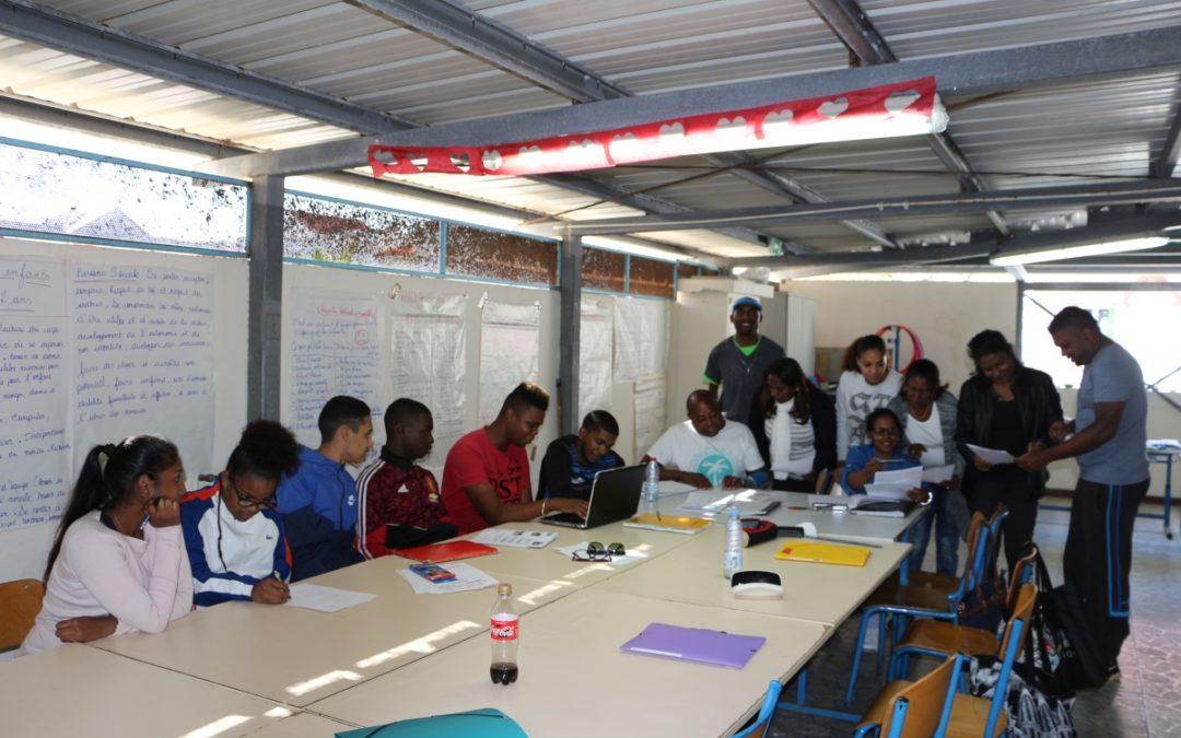 Les intervenants en milieu scolaire se forment à Sainte-Suzanne