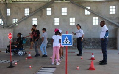 Échanges et sécurité routière entre le Centre d'éducation Motrice et l'école de la Marine