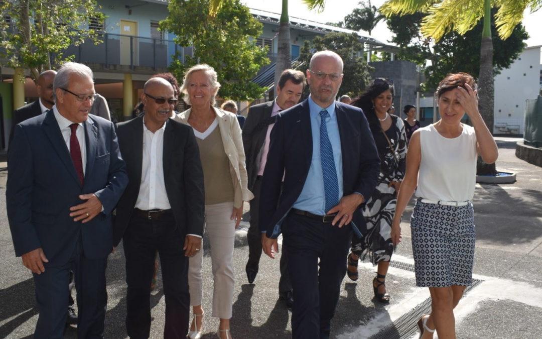 Jean-Michel Blanquer, Ministre de l'Éducation Nationale, en visite à l'école José Barau